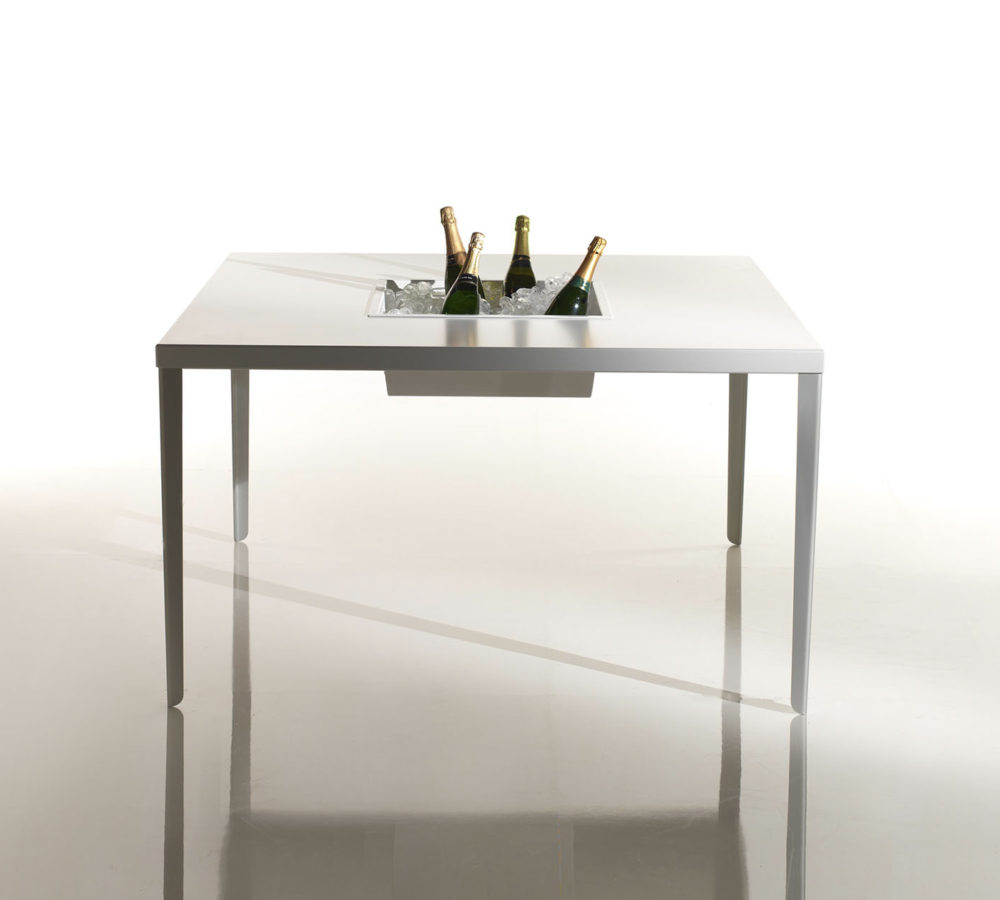 Cena Square aluminum Table