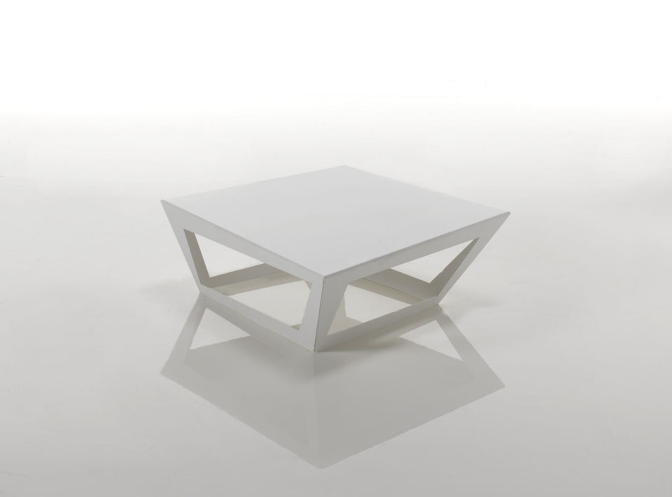 Elc tavolino in alluminio