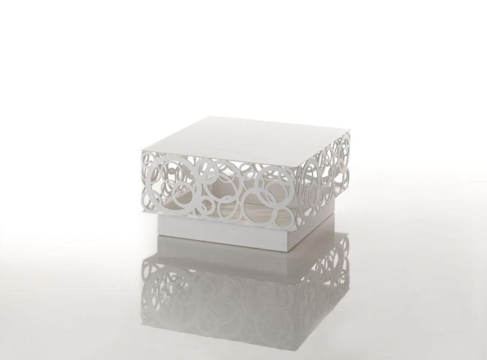 Tico tavolino con decoro Crochet